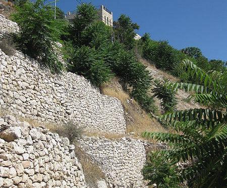 Стена времён иевусеев в городе Давида. Фото: Deror avi / http://en.wikipedia.org/wiki/File:JW_IMG_4893.JPG